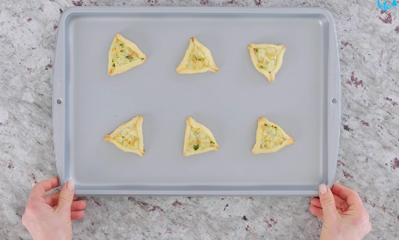 One Minute Purim Recipe: Savory Cheesy Hamantaschen