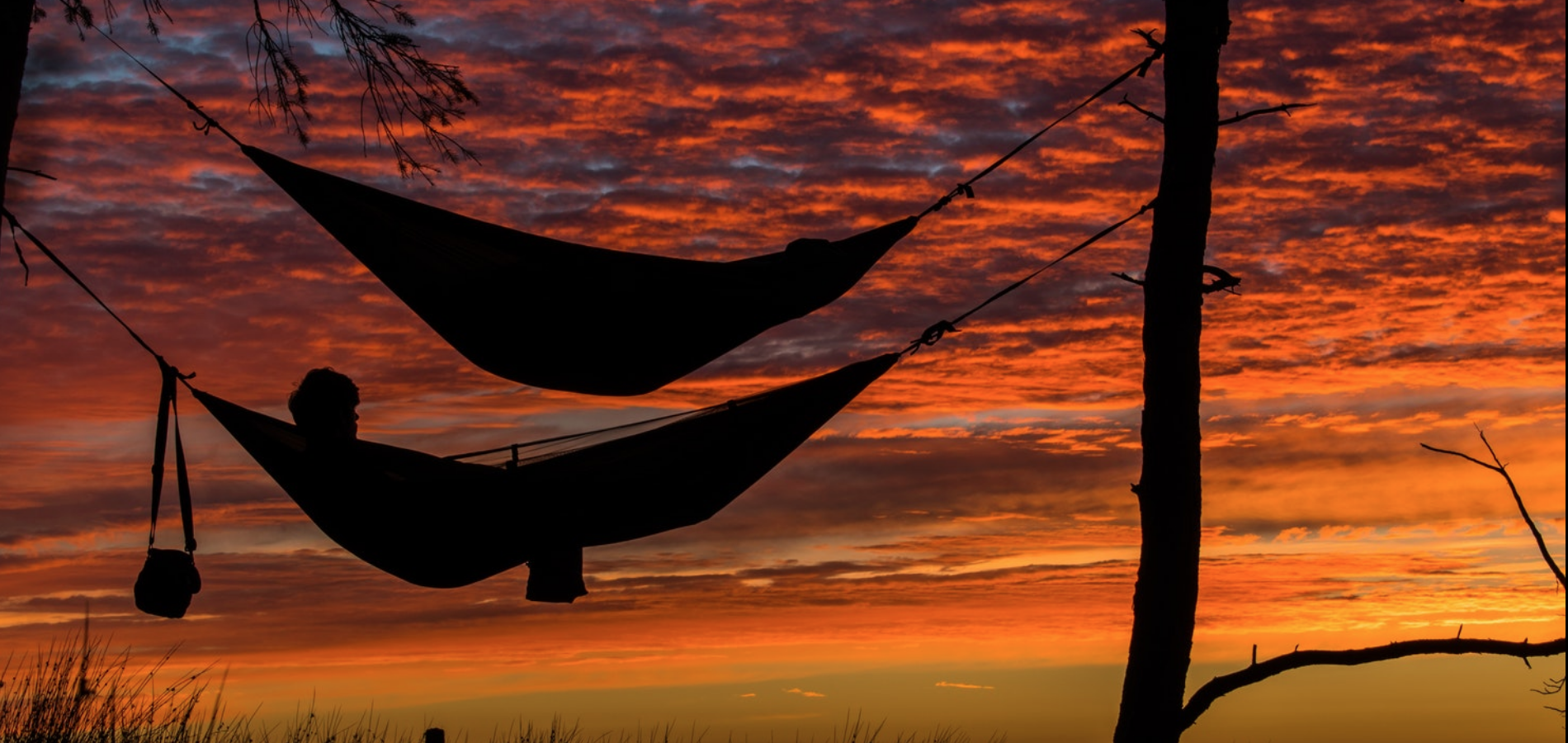 """Pro-Tips For Surviving Sleeping in Your Sukkah, From The Jewish """"Survivor"""" Winner"""