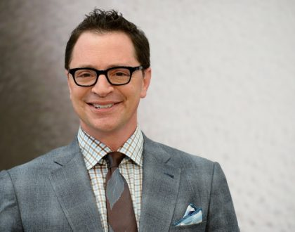 Joshua Malina, Jewish Scandal Star, Balances Religion and Working in Hollywood & Other Orthodox Jews in the News