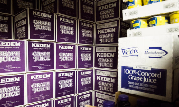 Pesach Grape Juice Wars & Other Orthodox Jews in the News