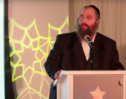 ALS Treatment Pioneer, Chaim Lebovits, Accepts Orthodox Jewish All Star Award