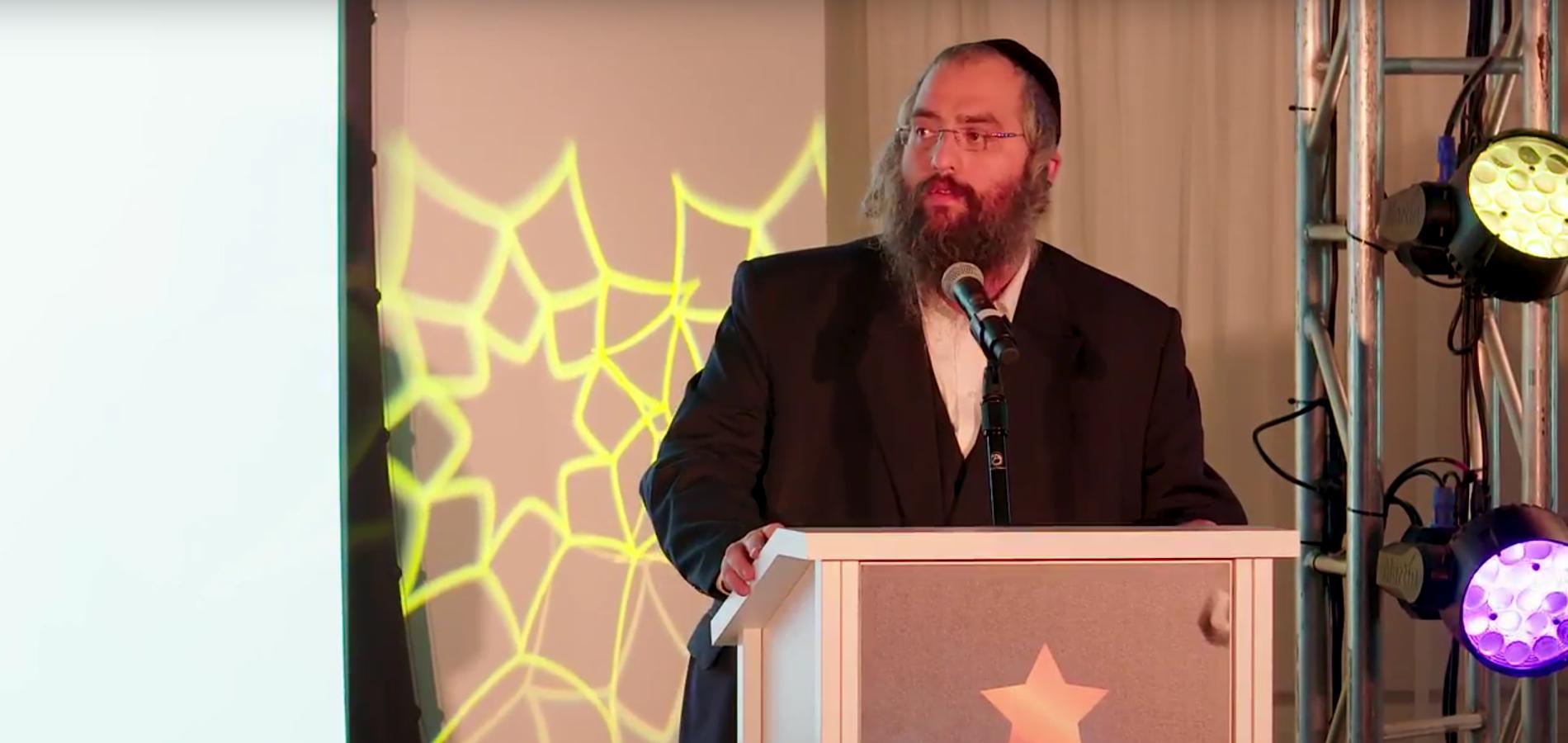 ALS Treatment Pioneer, Chaim Lebovits, Accepts Orthodox Jewish All Star Award