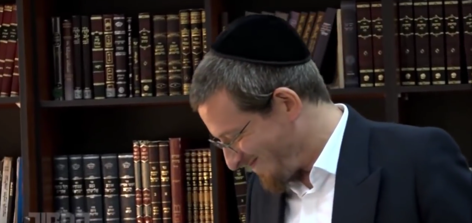 Video of Groundbreaking Haredi Yeshiva Goes Viral & Other Orthodox Jews in the News