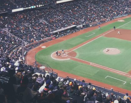 Frum Mets Fan Goes Viral After Gifting Foul Ball to Kid & Other Orthodox Jews in the News