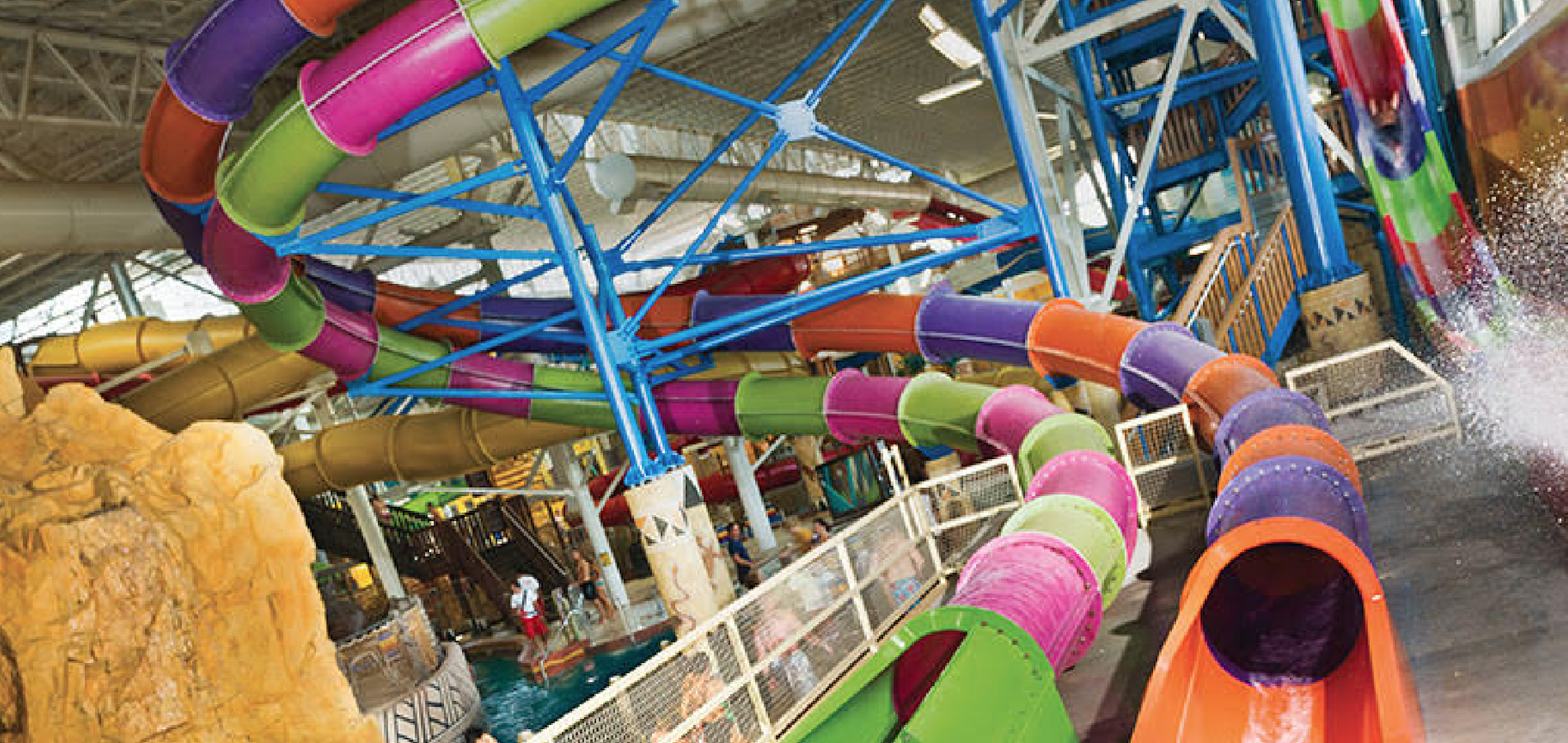 The Week The Biggest Indoor Waterpark In The US Goes Kosher!