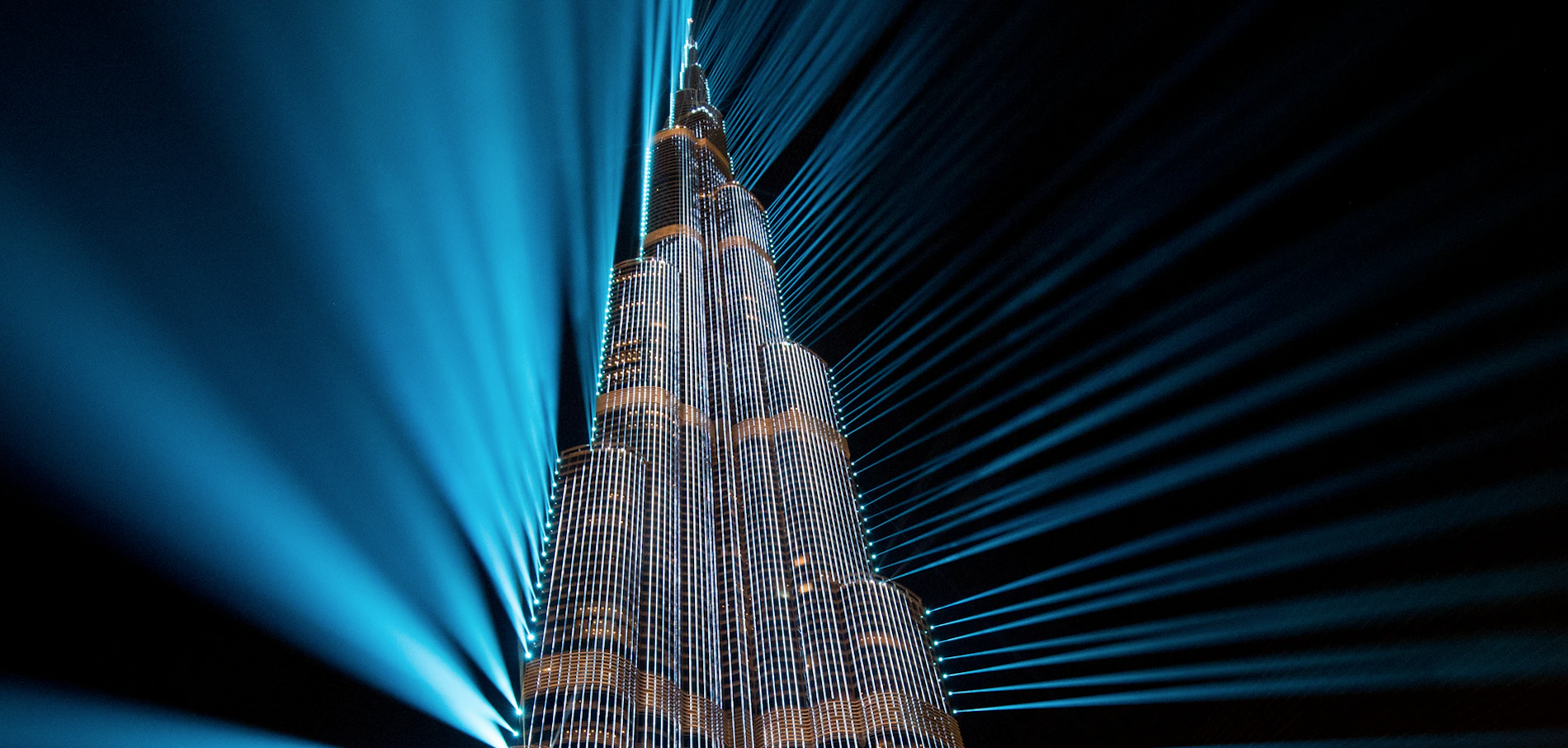 World's Tallest Building Get's UAE's First Kosher Restaurant & Other Orthodox Jews in the News